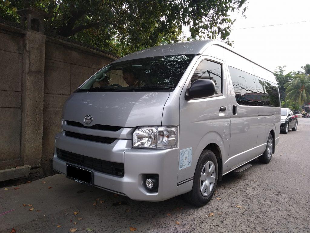 sewa mobil hiace, Sewa Mobil Pengantin, Rental Mobil Mewah Jakarta, Sewa Wedding Car Jakarta, Rent Car Jakarta